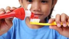 8 Корисних порад про те, як вибрати зубну пасту для дитини