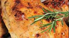 Як приготувати швидко і смачно картопля запечена з ніжками курки