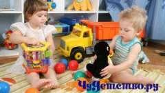 Як вибрати корисну іграшку дитині