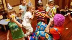 Святковий стіл на дитячий день народження