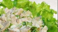 Салат з курячого філе і печериць
