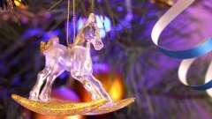 Зустрічаємо 2014 рік: як домогтися розташування синьої дерев`яної коня